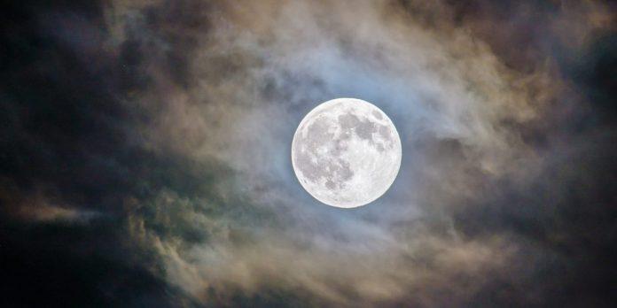 full-moon-this-halloween