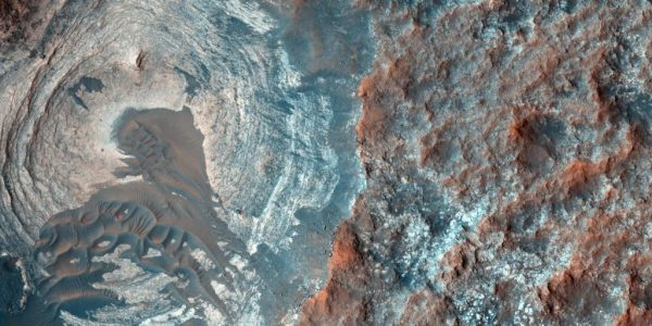 three-bodies-of-water-discovered-on-mars