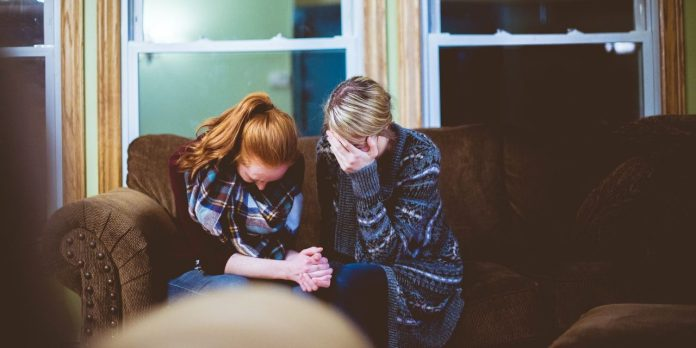 what-to-do-and-what-not-to-do-when-someone-is-grieving