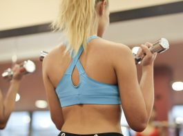 reasons-why-you-should-never-wear-makeup-when-working-out