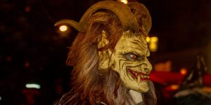 the-bad-cop-good-cop-christmas-tradition-krampus-vs-st-nicholas