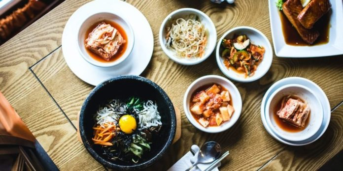three-places-where-you-can-get-asian-food-and-drinks-in-bucharest