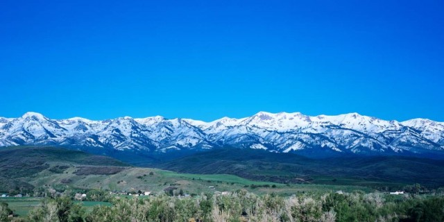 What would you do if you had a million dollars? I'll tell you what I'd do, man… make this my regular morning view. PHOTO: Mirr Ranch Group