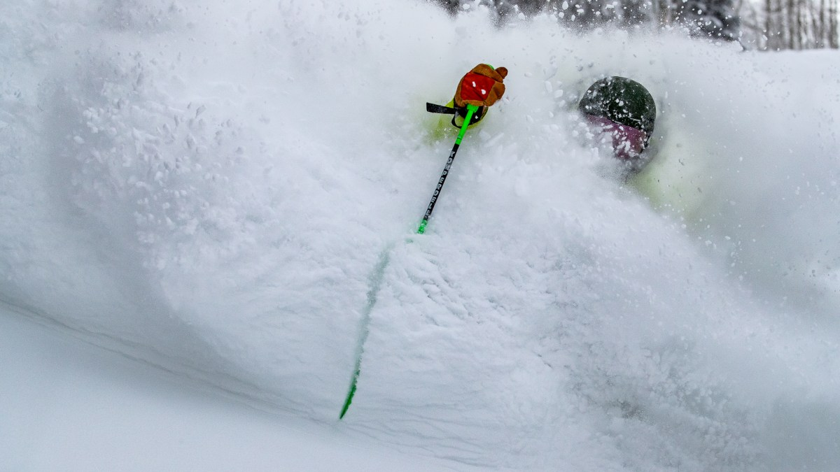 Wind in Aspen Turns 7 Inch Storm into 2 Feet of Powder