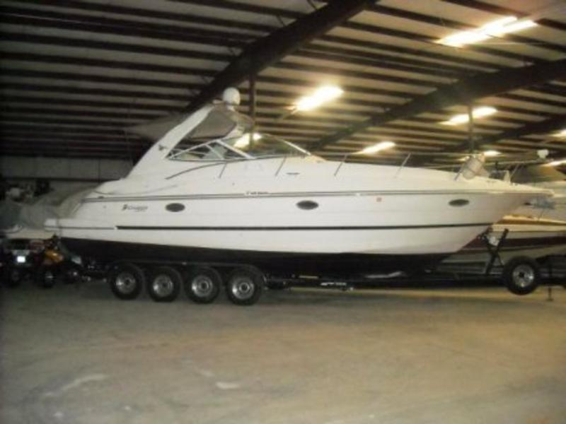 2001 Cruisers Yachts 3470 Express powerboat for sale in