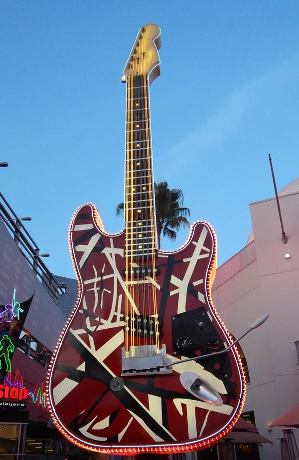 universal guitar