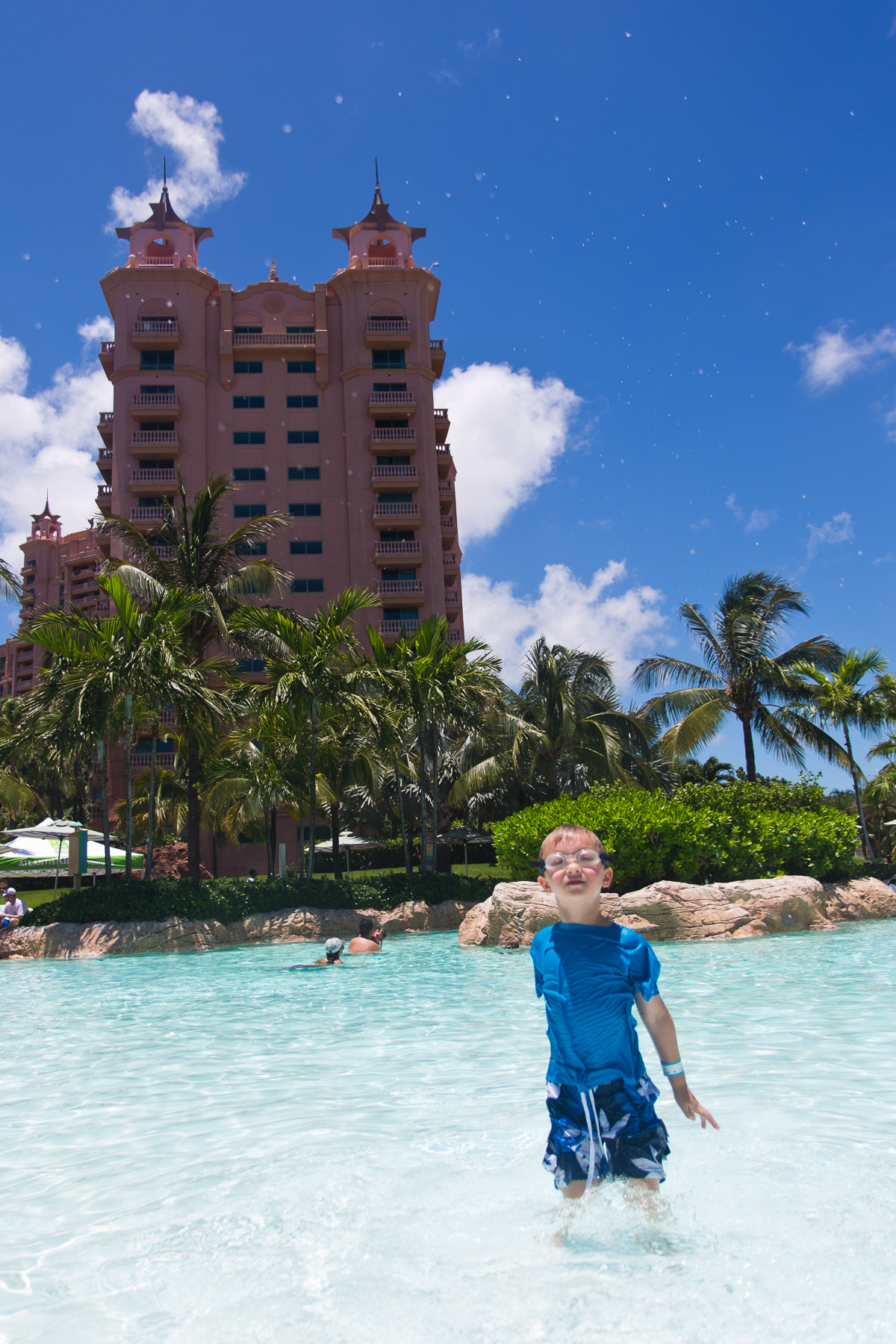 Comfort Suites Paradise Island — Affordable Vacation Hotel
