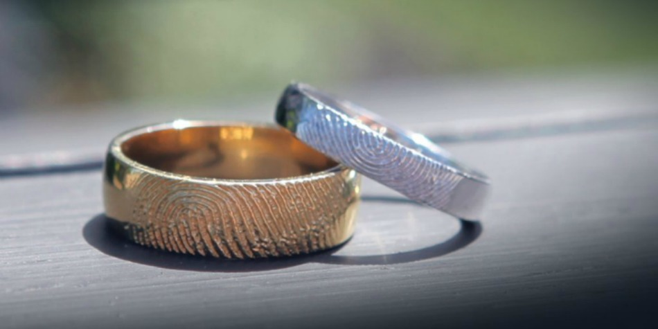 dimples-custom-fingerprint-engraved-band-ring