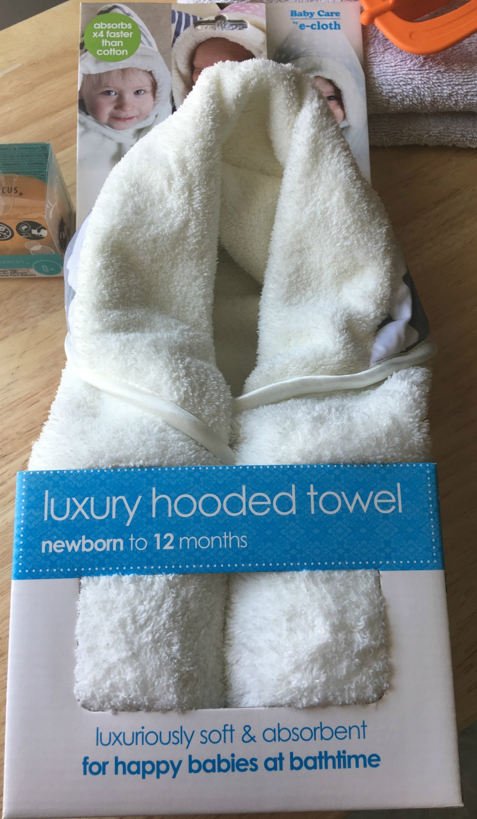 Large Luxury Hooded Towel by E-Cloth - Powered by Mom
