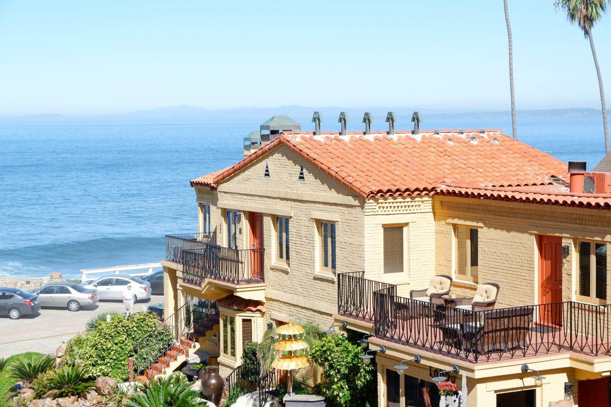 Pantai Inn