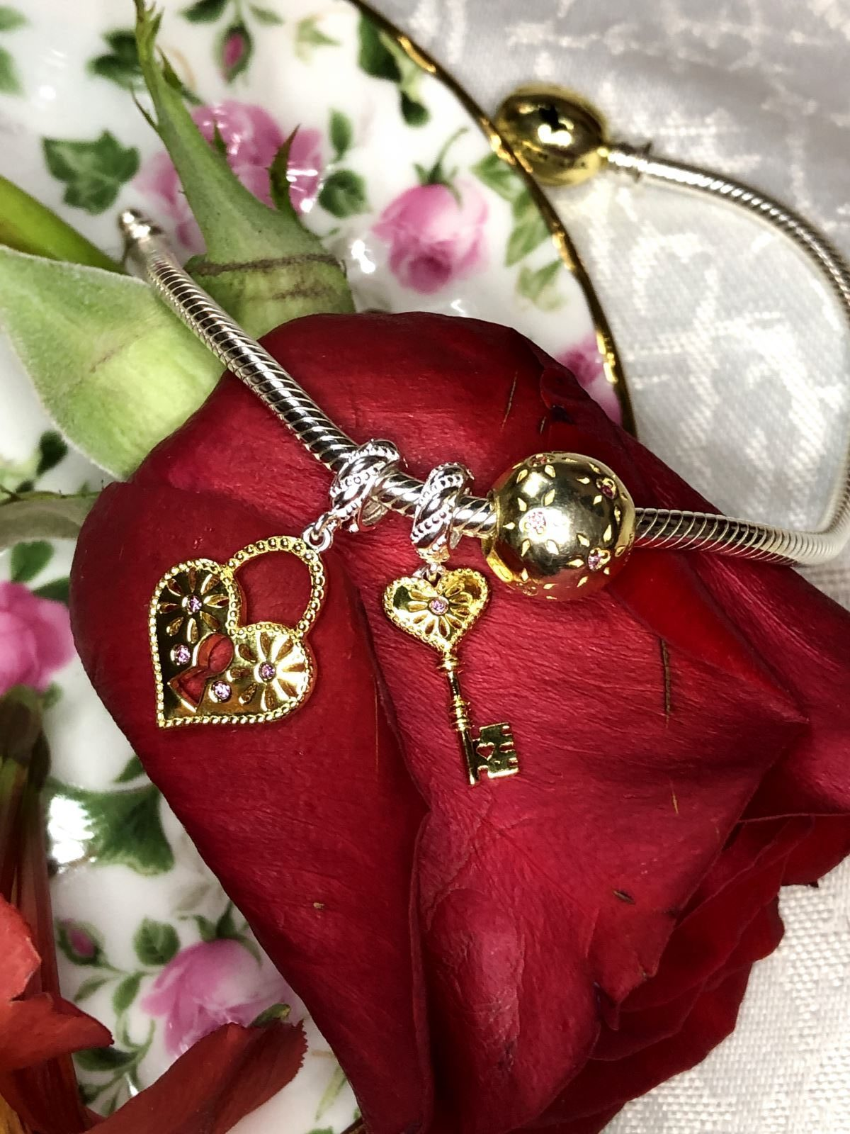 romantic jewelry for her