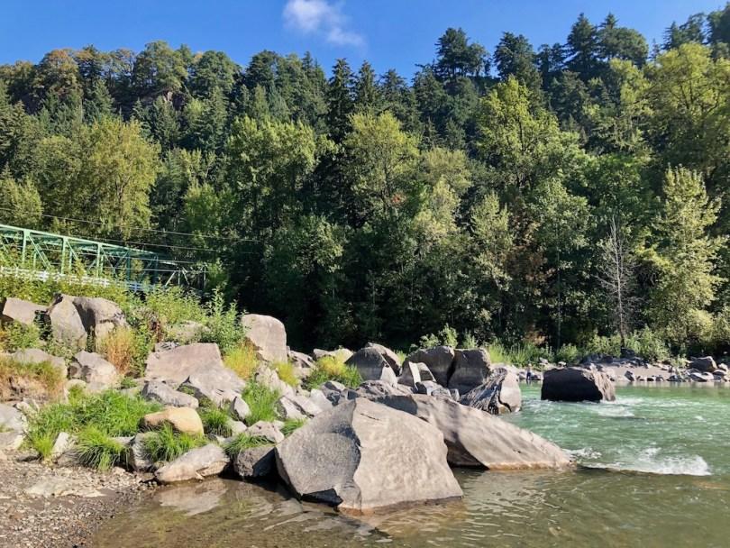 Sandy River rocks at Glenn Otto