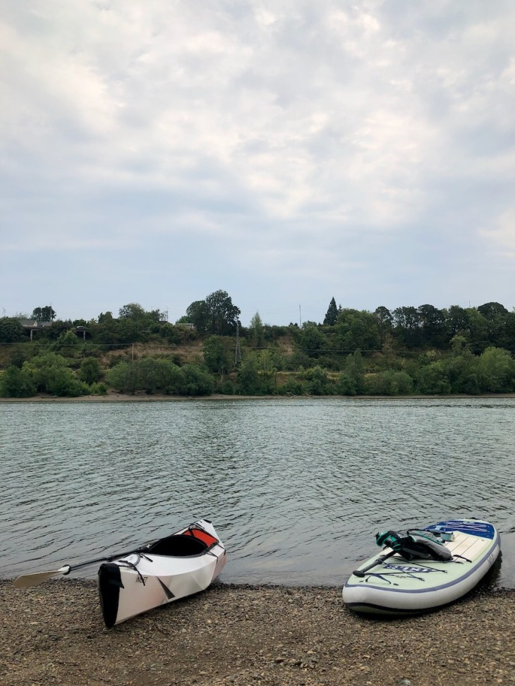 kayaking and paddle boarding in portland near Ross Island