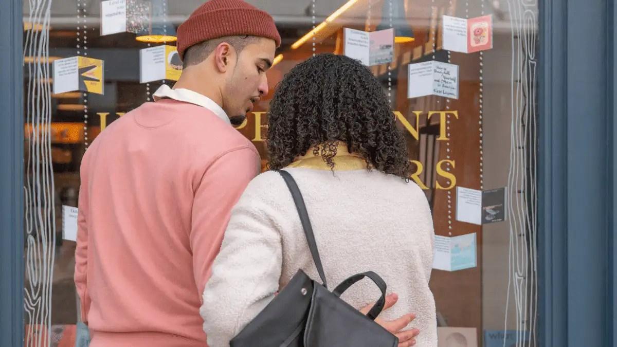 Boyfriend and girlfriend in a bookstore
