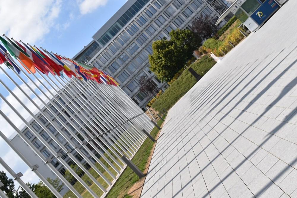Fahnen der einzelnen Länder Europas, bei dem Europaparlament im Europaviertel