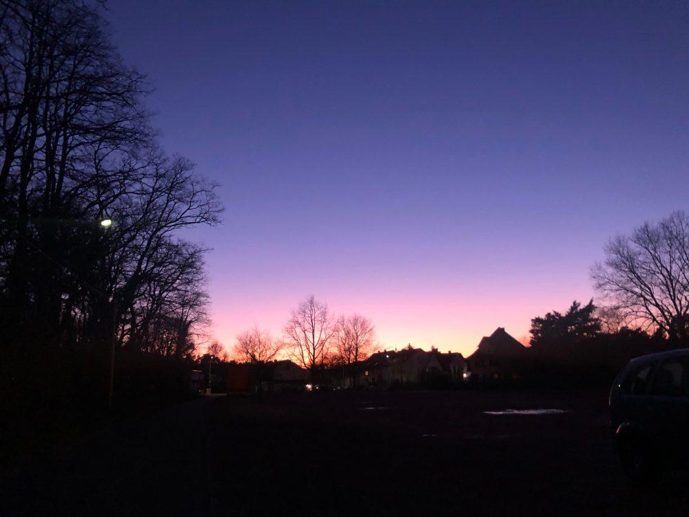 Sonnenuntergang bei wolkenlosem Himmel