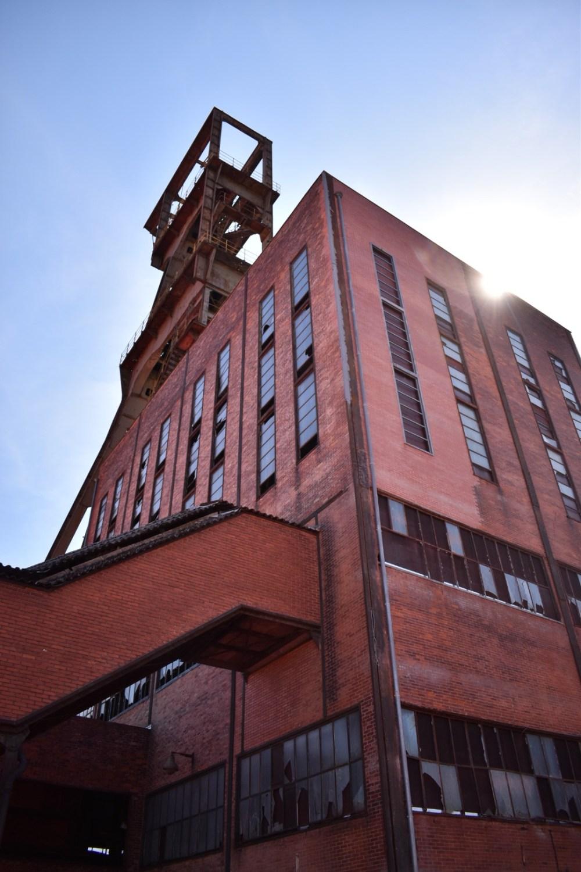 Rotes Bergwerkgebäude der Grube Wendel