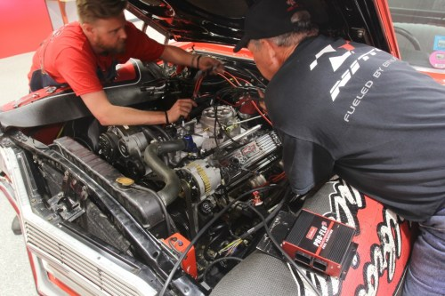 small resolution of with the flo 3 installing and tuning edelbrock s new multi point pro flo 3 efi