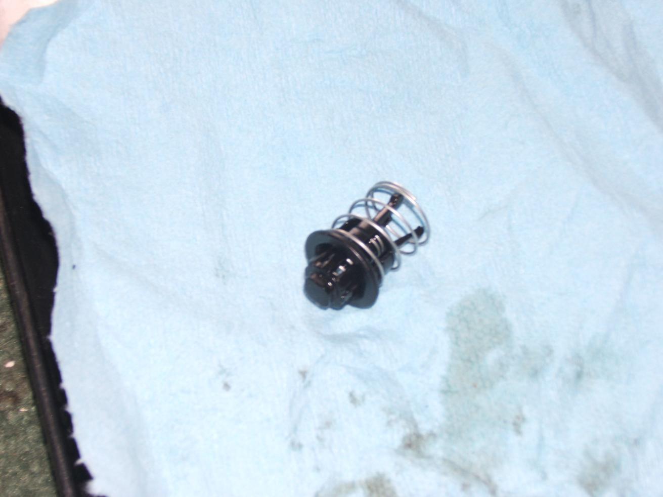 hight resolution of is it a oil drain back valve http www powerstroke org forum att m dscf2783 jpg