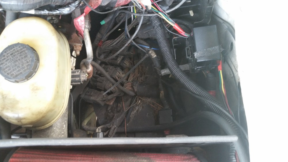 medium resolution of  diesel forum 564809d1474214476 2002 sd under hood fuse location 20160918 114621 2002 sd under hood fuse location ford 2002 ford f250 fuse box