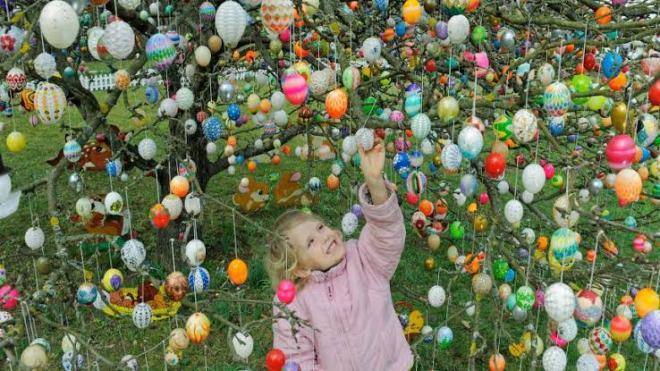 Easter Egg Trees in Saalfield