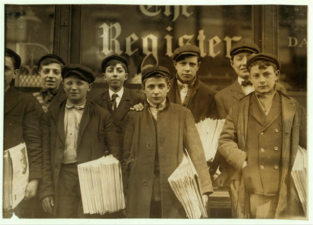 "Newspaper ""route boys"" in New Haven, Connecticut, 1909. (Photograph by Lewis Hine/Library of Congress)"