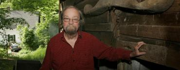 Donald Hall, the poet laureate who loved baseball and sports writing, dead at 89