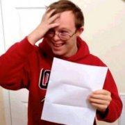 Video: Tinejdžer sa Downowim sindromom saznao da je primljen na fakultet