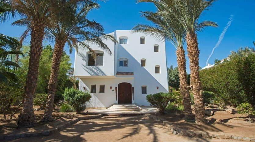 White Villa for Rent in El Gouna