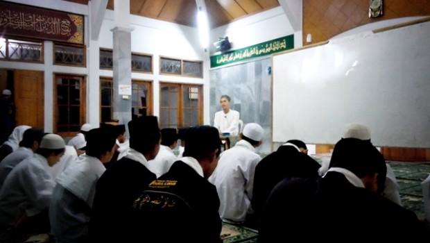 10 Nasehat KH Hasyim Asy'ari Bagi Santri / Penuntut Ilmu