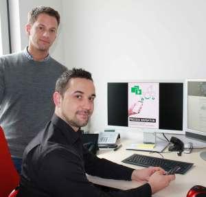 Die Bayreuther Informatiker Dr. Stefan Schönig und Lars Ackermann M.Sc. (v.l.) werden den ProcessNavigator auf der CeBIT 2017 vorstellen © Foto: Christian Wißler