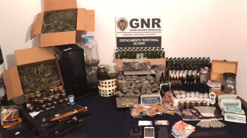 GNR de Ovar deteve seis pessoas e apreendeu mais de 7 mil doses de droga