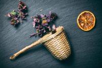 Bambusowy-zaparzacz-do-herbaty-i-ziół-z-pojedynczą-rączką-Karta-produktu-Pracownia-ziół-i-zdrowej-żywności-Rebalife