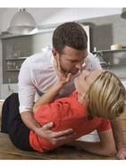 body language to attract women