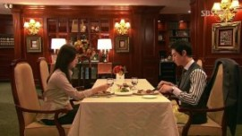 first date mistake expensive fancy restaurant