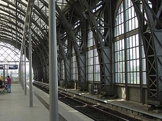 Mit dem Zug von Dresden nach Prag