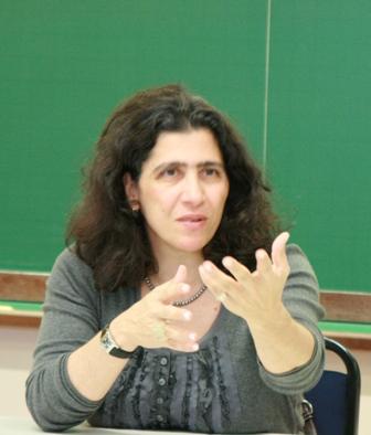 professora vera karam religião política