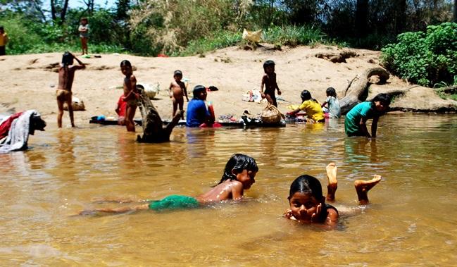 aldeia indigena pimentel xavante brasil