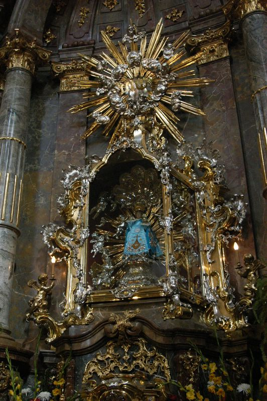 Marble altar of The Infant Jesus of Prague