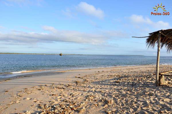 Praia da Ilha da Pedra Furada  Camamu  BA