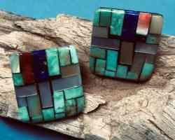 049004 Charlene Reano (Kewa) – Ohrstecker mit Mosaic Inlay