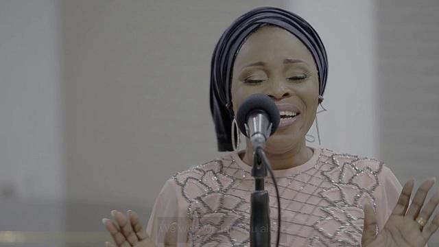 Tope Alabi & TY Bello – Iwo Lawa O Ma Bo