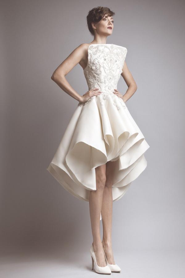 25 Sleek Wedding Dresses That Make A Modern Statement And