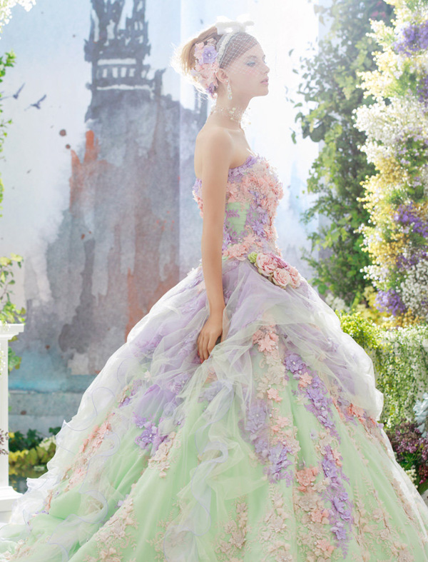22 Gorgeous Floral Wedding Dresses Blooming With New Details Praise Wedding