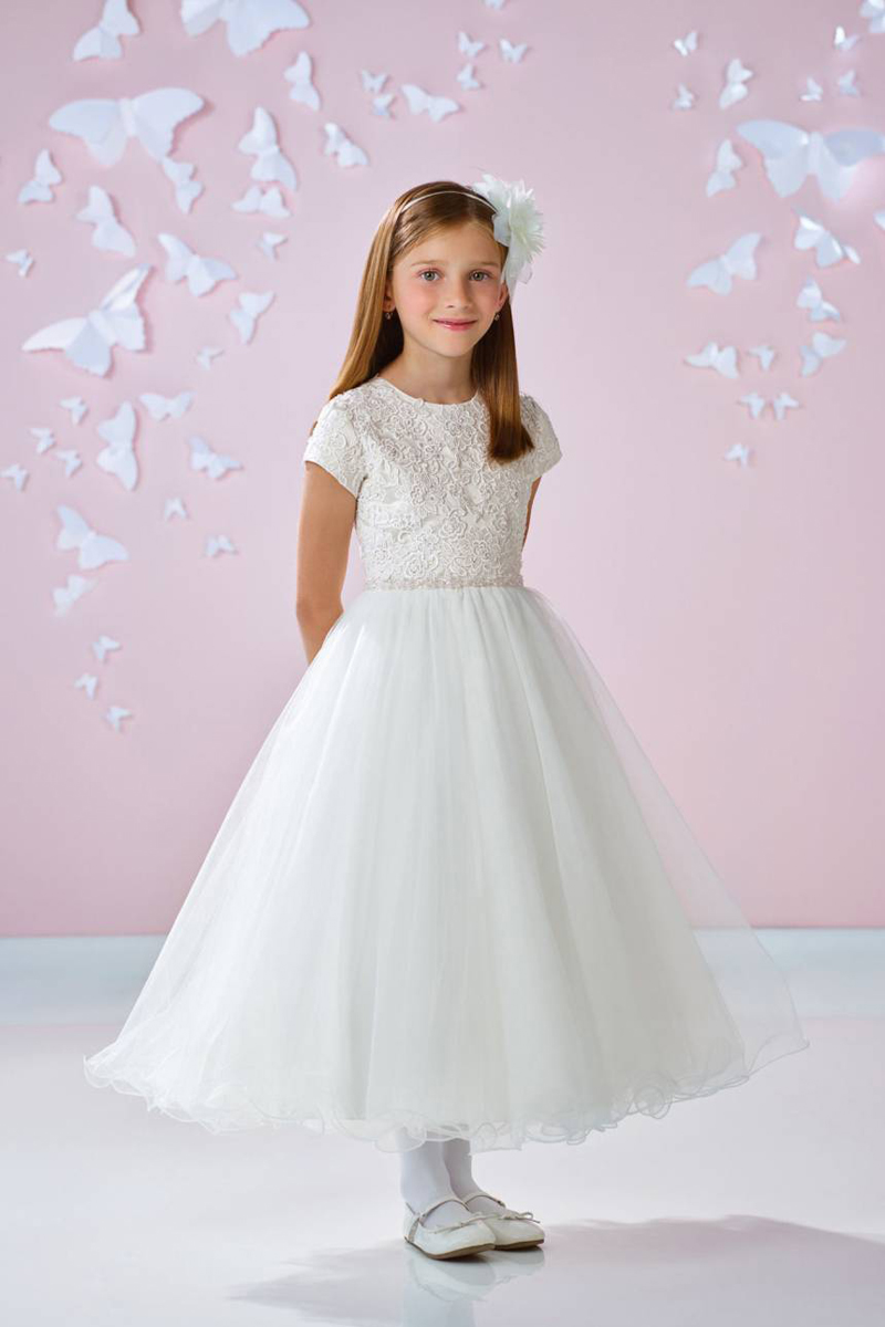 15 Classic White Flower Girl Dresses For Every Type of