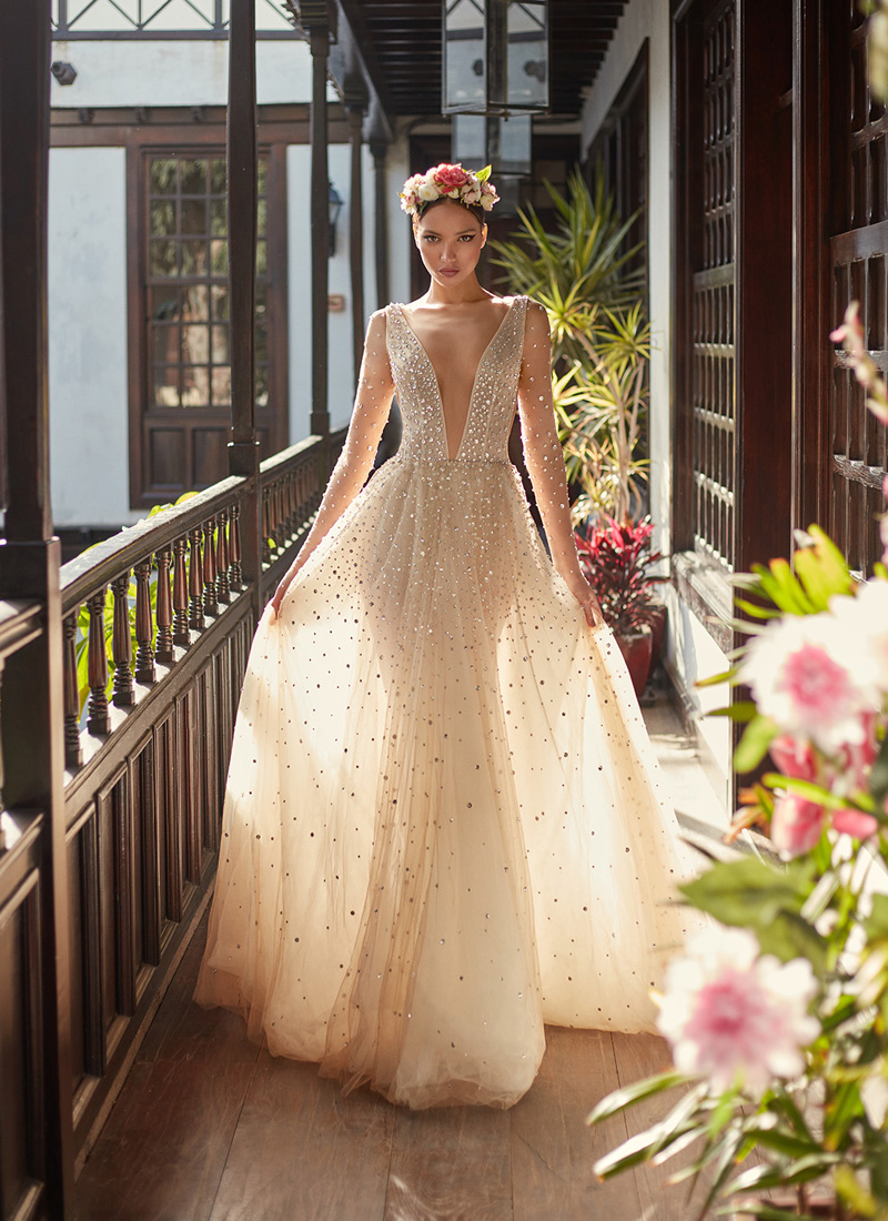 20 Magical Celestial Wedding Dresses For StarCrossed Brides  Praise Wedding