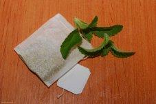 Vrecúško harmančekového čaju so stéviou na osladenie