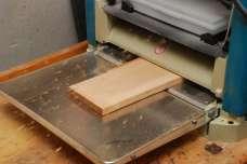 Hrúbkovačka sa postará o to, aby bola doska hladká a hrubá presne 12mm