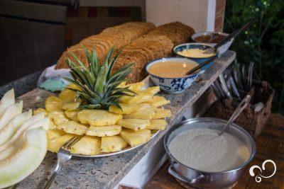 Alimentos no Refeitório do Prana Prana na Serra da Cantareira, SP.