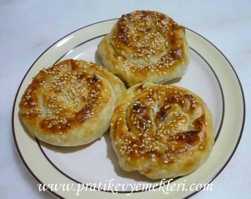 Patatesli ve Kıymalı Gül Börek